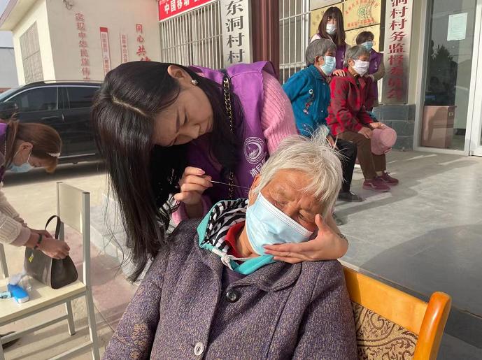 """关爱""""三留守"""" 肃州东洞镇为爱唱响稳稳幸福曲"""
