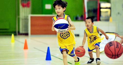 动因体育少儿篮球课程——于对抗中磨砺,在运动中成长