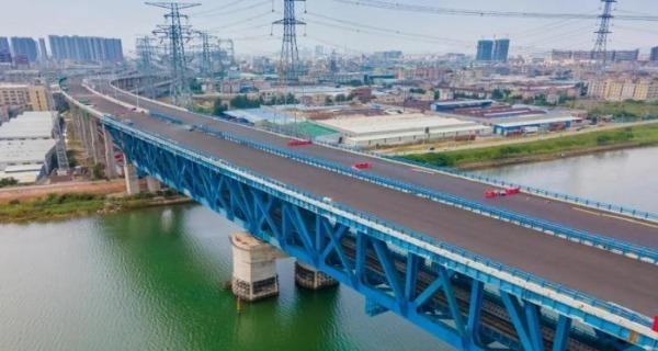 广中江高速四期完成路面沥青施工 预计年底全线通车