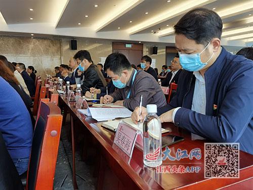 省委宣講團在省水投集團宣講。