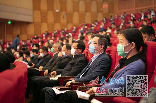 宜春市黨員幹部聆聽省委宣講團的宣講報告。朱兆恺攝