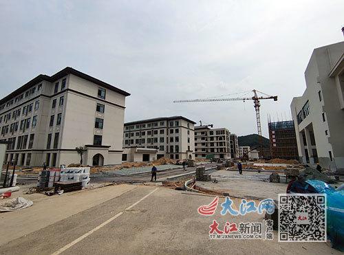 文公中学还在建设中